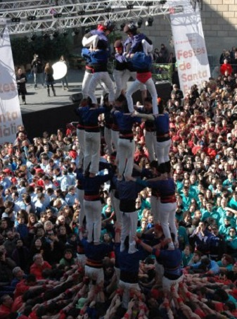 things to do in barcelona human towers