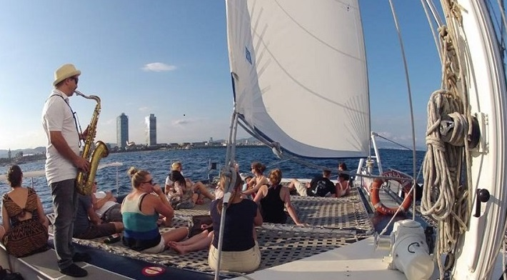 things to do in Barcelona sailing