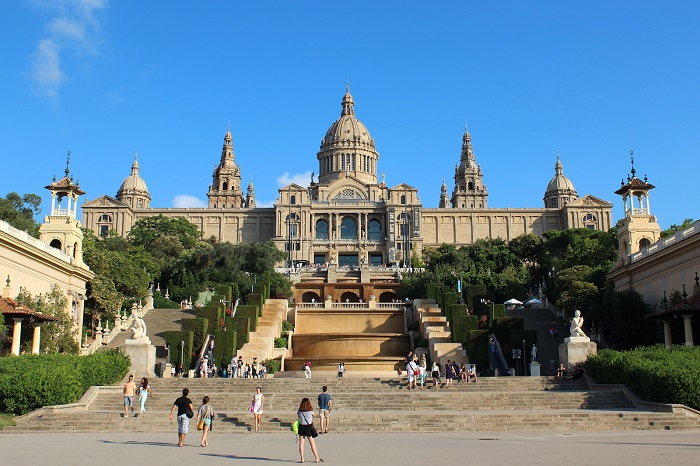 things to do in Barcelona in November visit museum